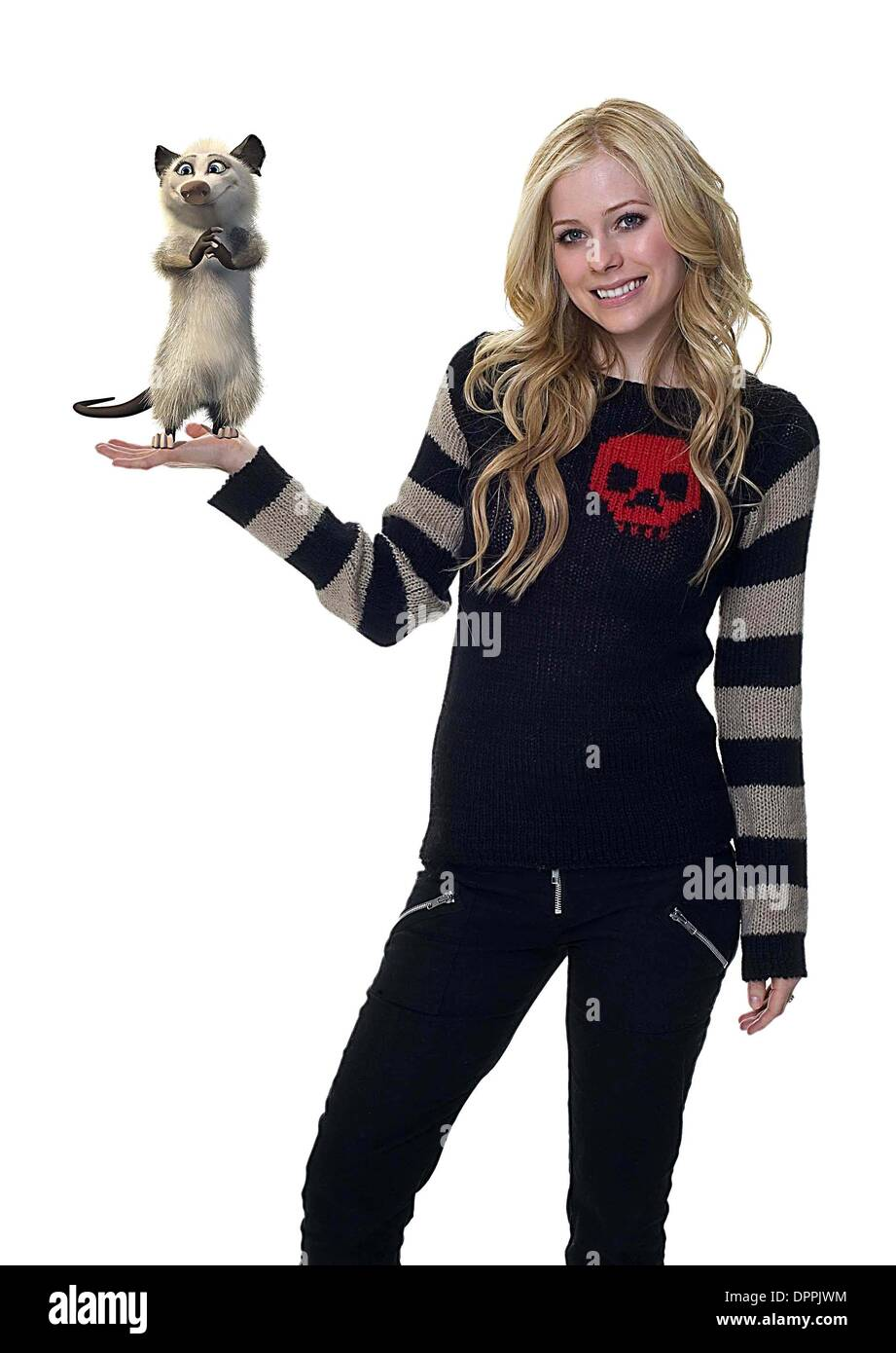 Feb. 28, 2006 - K49211ES.OVER THE HEDGE.TV-FILM STILL.SUPPLIED BY    AVRIL LAVIGNE(Credit Image: © Globe Photos/ZUMAPRESS.com) - Stock Image