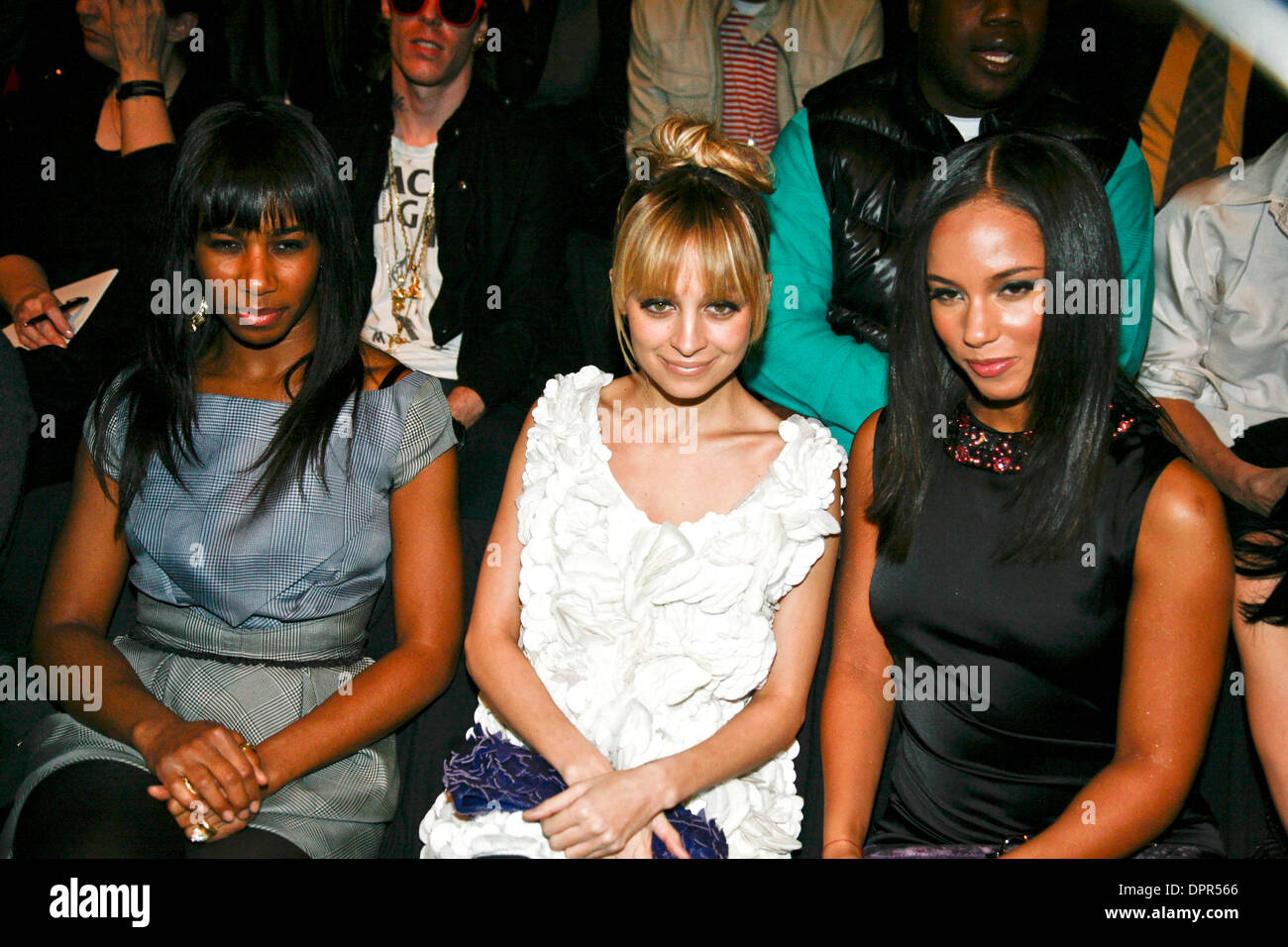 2afe833cc Feb 19, 2009 - New York, New York, USA - SANTOGOLD, ALICIA KEYS and NICOLE  RICHIE attending the Fall/Winter 2009 fashion show of Zac Posen during  Mercedes ...