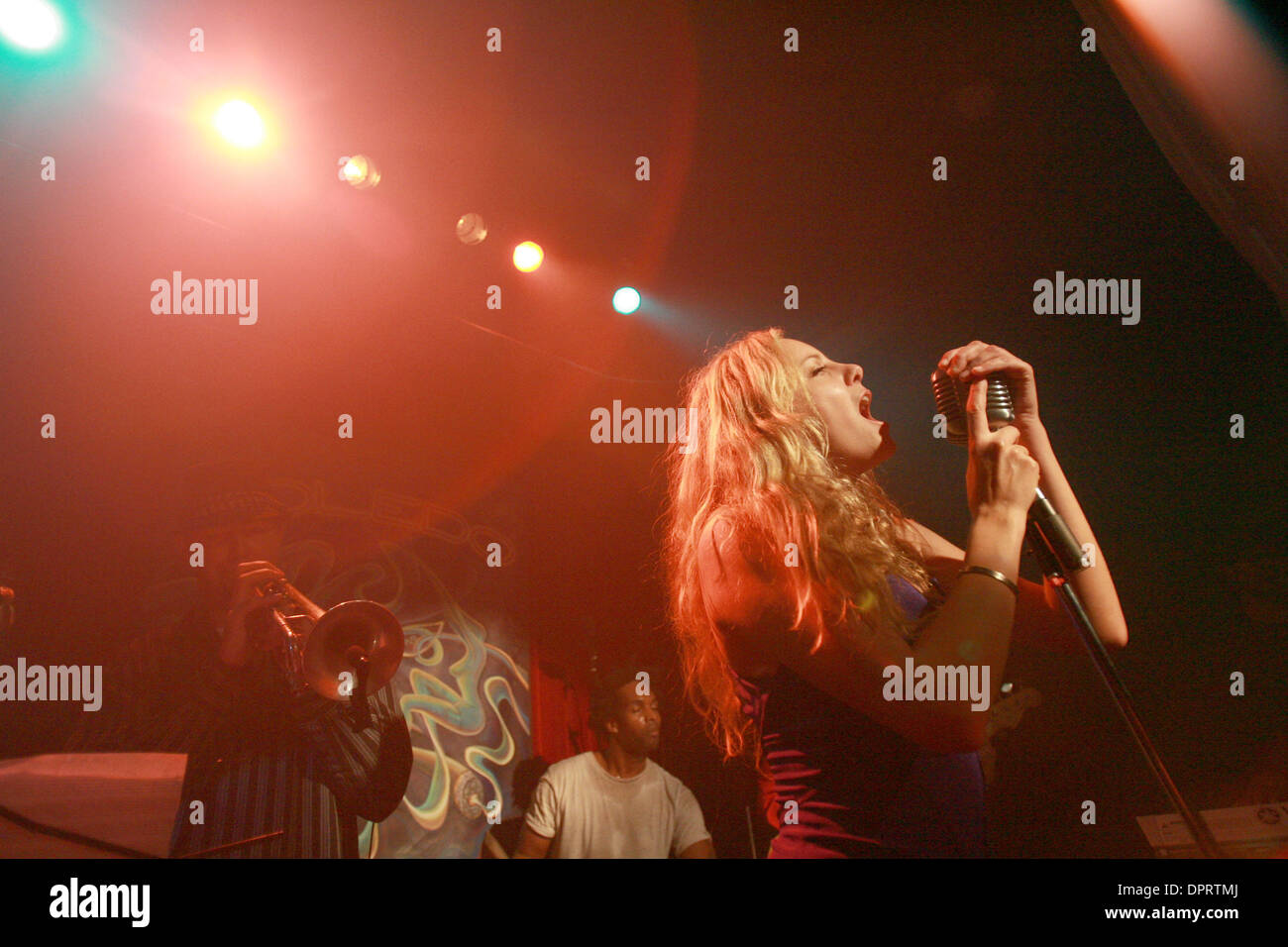 Dec 11, 2008 - Los Angeles, California , United States - Actress singer BIJOU PHILLIPS performs with the Toldeo Show band at Harvelle's in Santa Monica. (Credit Image: © Ringo Chiu/Zuma Press) - Stock Image