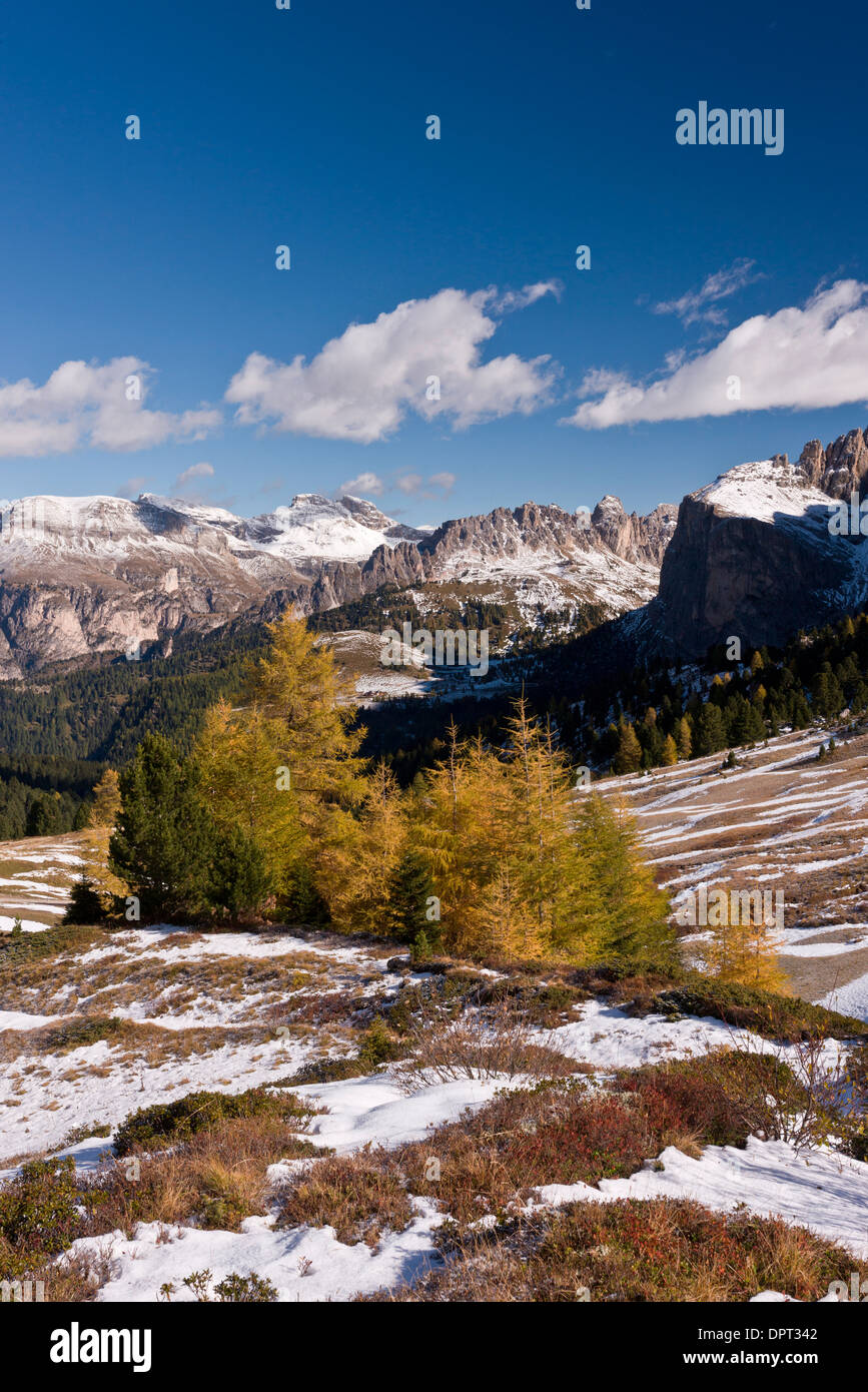 View north from the Sella Pass towards Puez Odle in autumn, with early snow; Dolomites, north Italy. Stock Photo