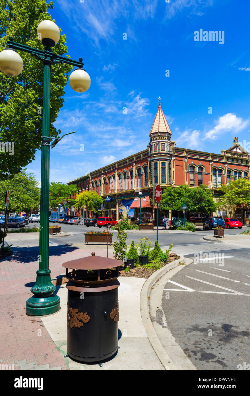 The historic Davidson Building at the intersection of Pearl Street and West 4th, Ellensburg, Washington , USA - Stock Image