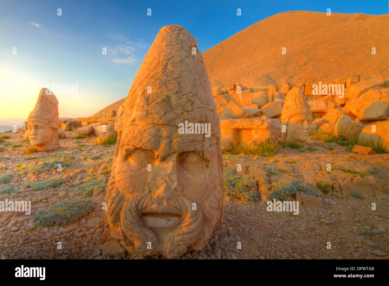 Huge Zeus sculpture Mt. Nemrut National Park Turkey Ancient remnants of 2000 year old Commagene culture on 7,000 foot mountain - Stock Image