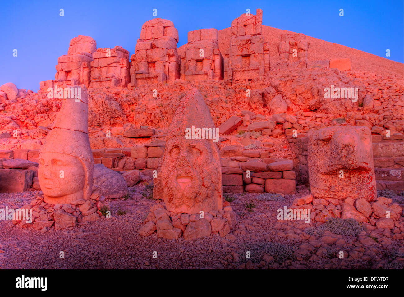 Huge sculpted heads Mt. Nemrut National Park Turkey Ancient remnants of 2000 year old Commagene culture on 7,000 foot mountain - Stock Image