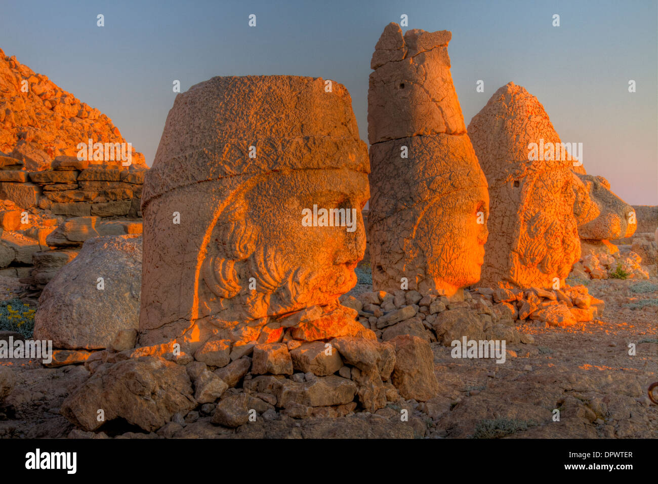 Huge sculpted heads Mt. Nemrut National Park Turkey Ancient remnants of 2,000 year old Commagene culture on 7,000 foot mountain - Stock Image