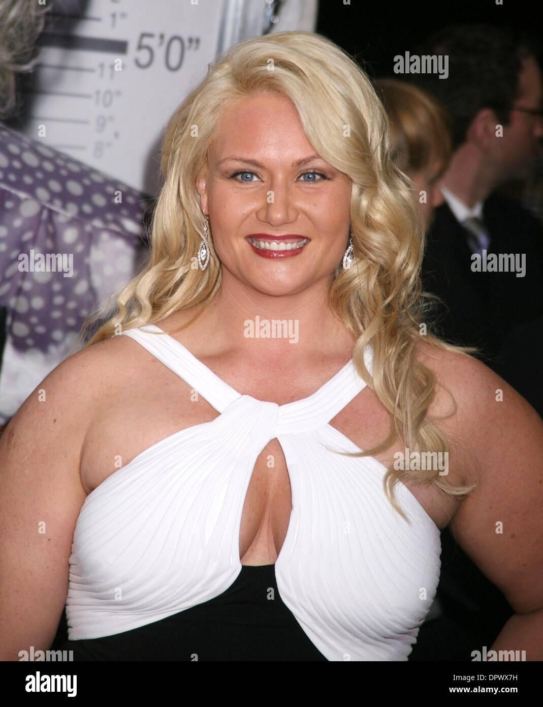 Marisa Vernati,Pitchanart Sakakorn XXX pictures Courtney Simpson,Elizabeth Hendrickson born July 3, 1979 (age 39)