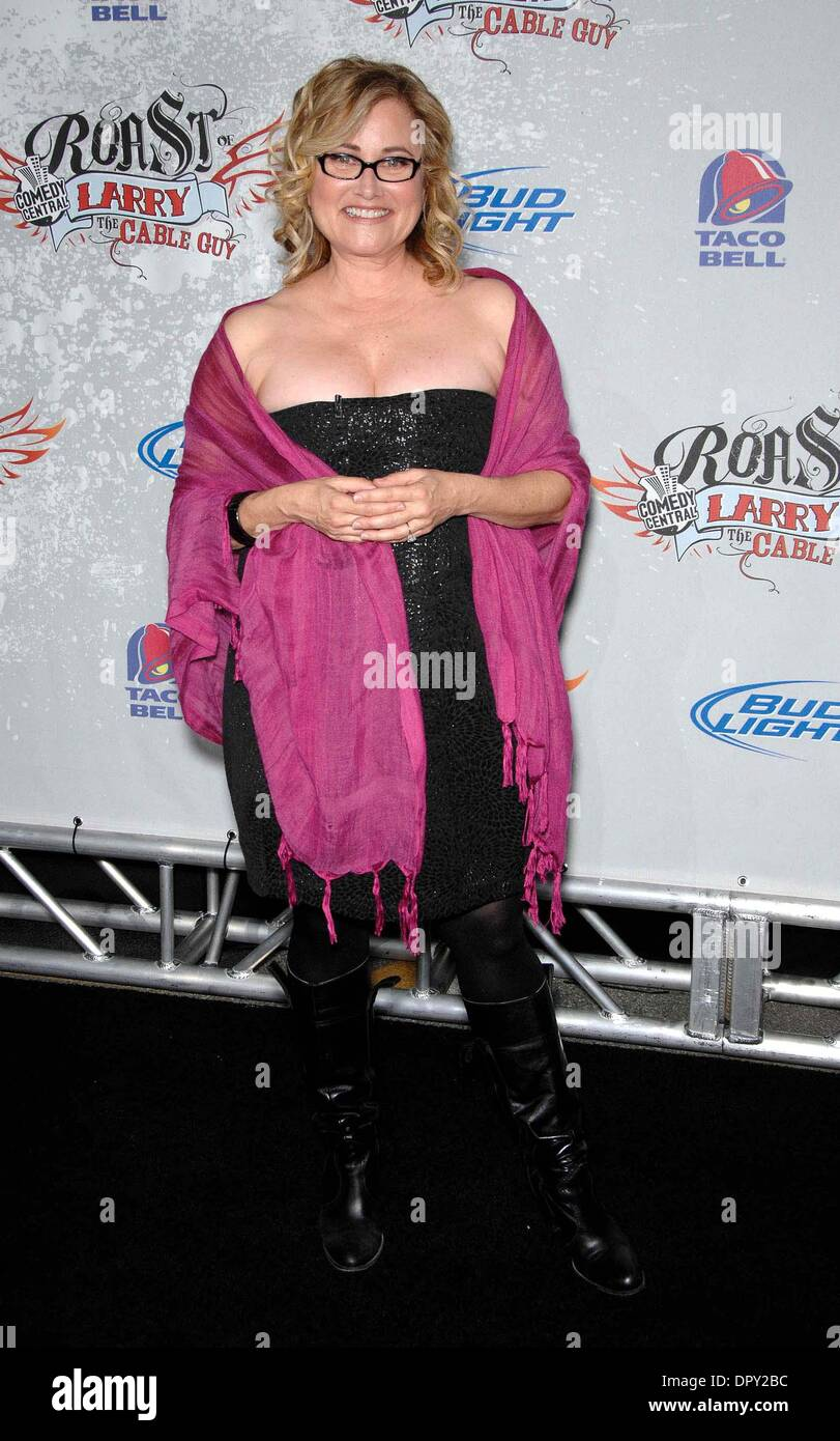 Maureen McCormick arrives to the Comedy Central Roast of