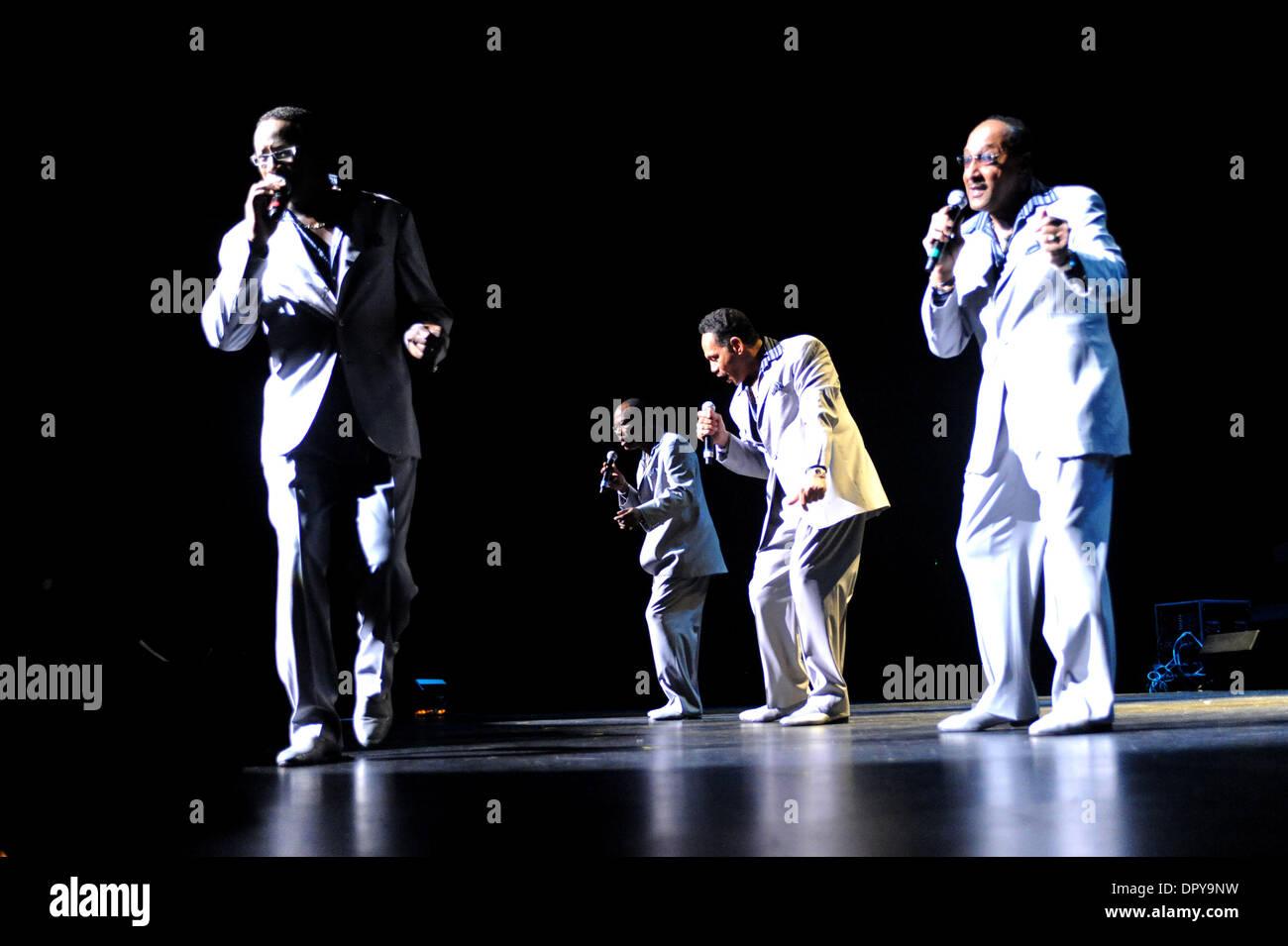 Nov 28, 2008 - Universal City, California, USA - Musicians