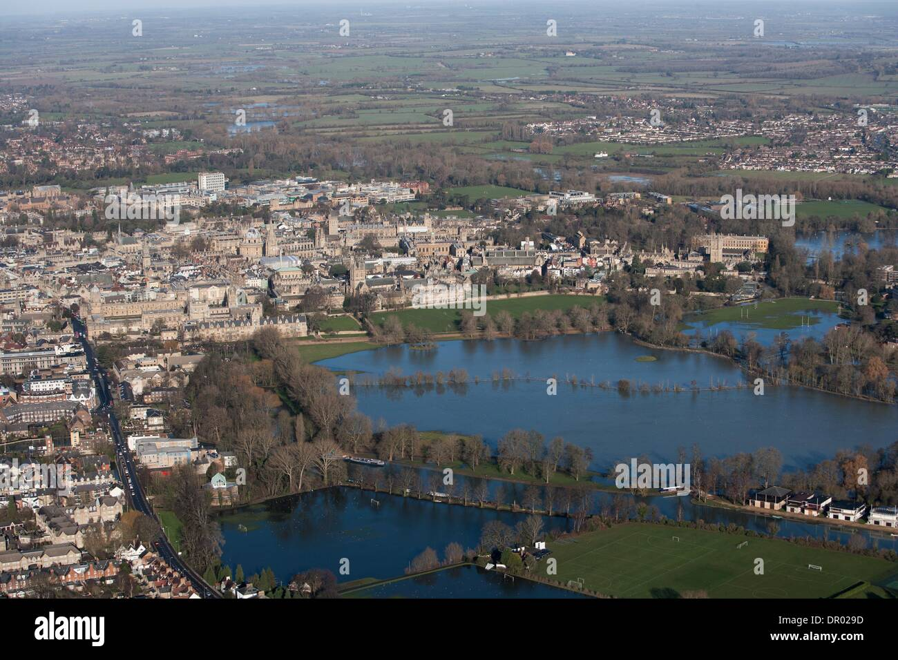 Oxford, UK. 14th January 2014. Oxford in  flood .  View towards Christchurch meadow in full flood and central  Oxford .  Thames in flood Credit:  adrian arbib/Alamy Live News - Stock Image