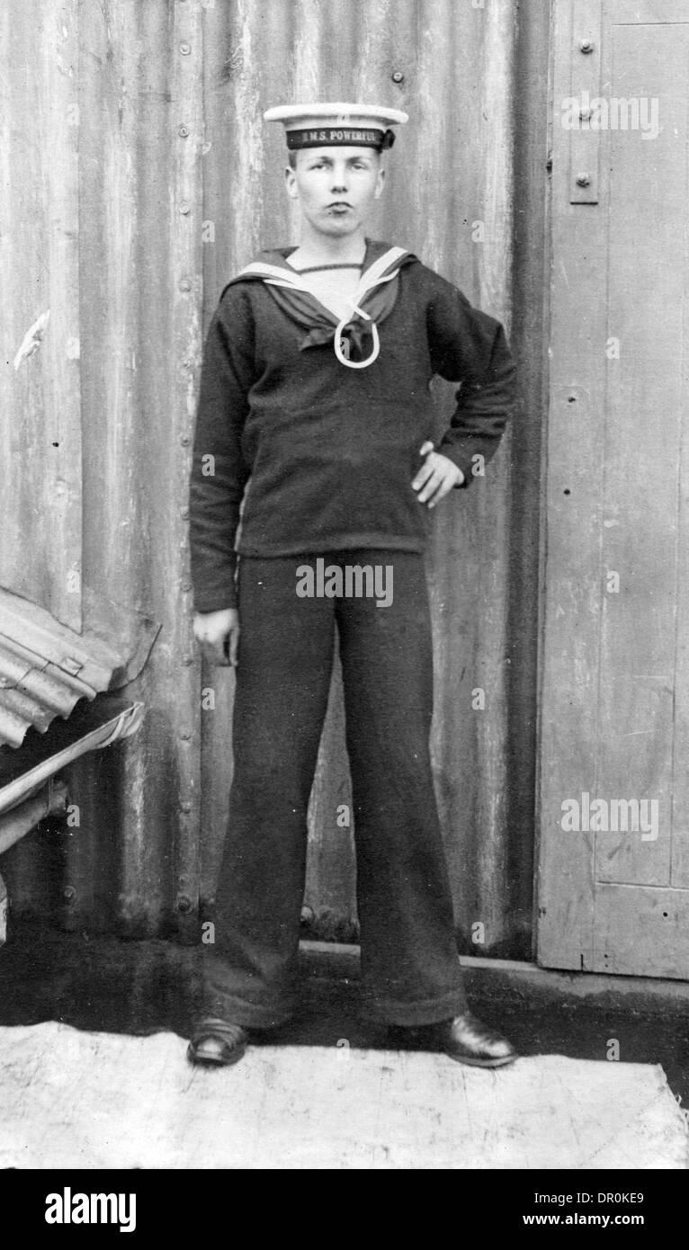 A SAILORS ONBOARD THE WORLD WAR ONE BATTLESHIP HMS POWERFUL - Stock Image