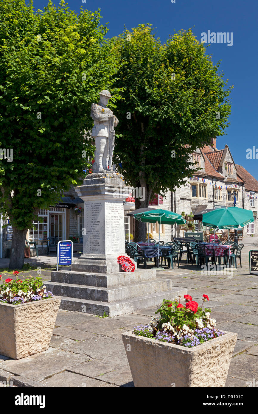 War memorial in Market Place, Somerton, Somerset - Stock Image