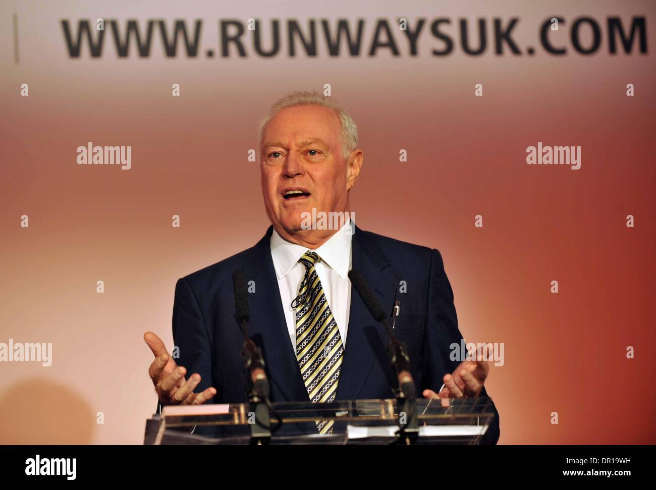Runways UK conference, London. Britain, UK. Arguing for the Heathrow Northern runway extension Capt William 'Jock' Lowe says doubling its length will increase capacity. - Stock Image