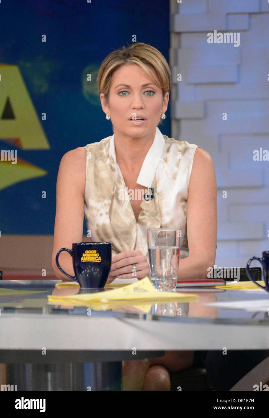 New York, NY, USA. 17th Jan, 2014. Amy Robach at Good Morning America at talk show appearance for Celebrity Candids Stock Photo