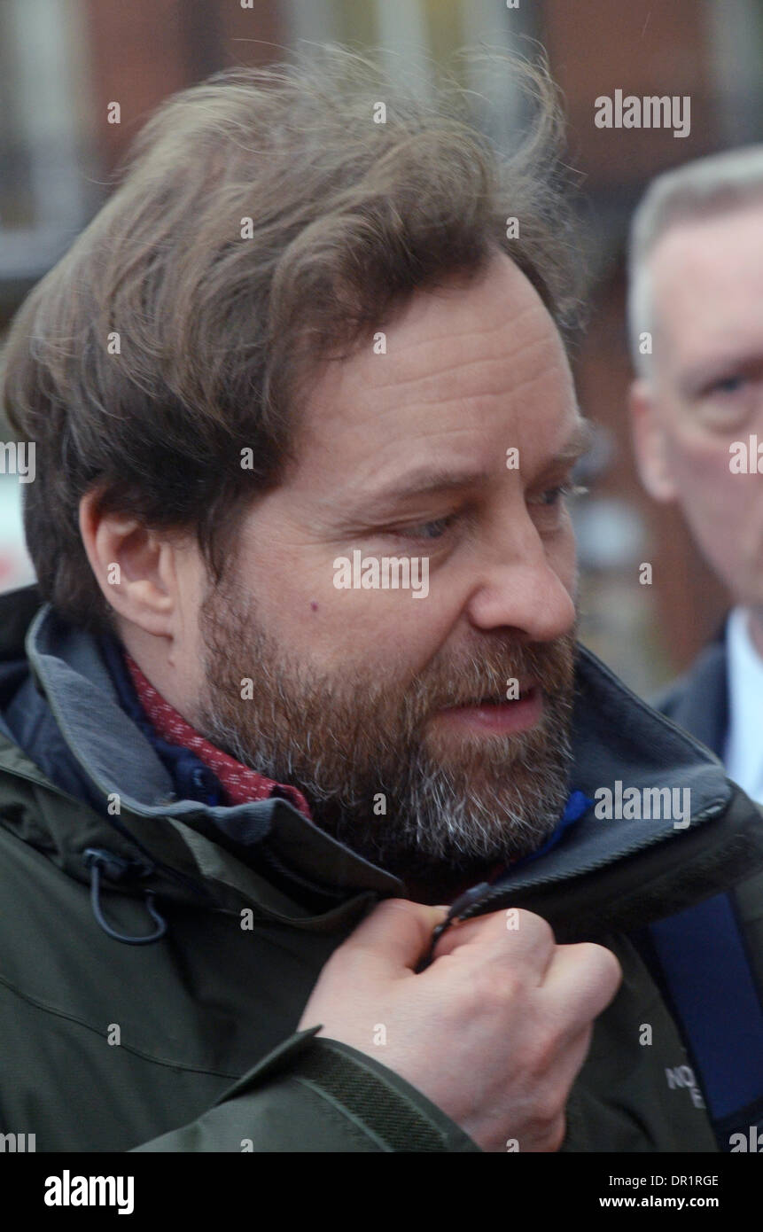London, UK. 17th Jan, 2014. Ardal O'Hanlon feels the cold outside BBC Radio studios London 17/01/2014 Credit:  JOHNNY Stock Photo