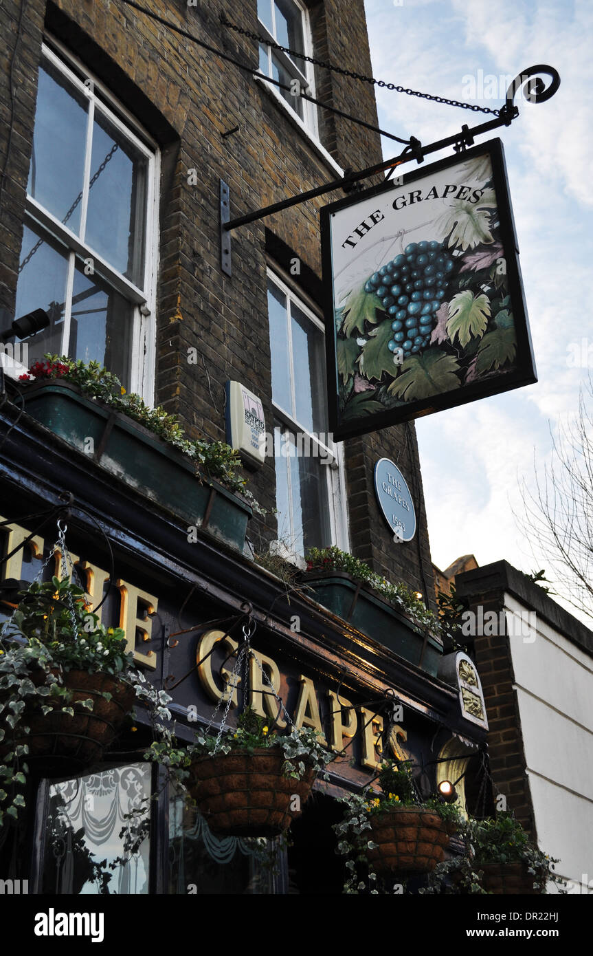 The Grapes, a famous riverside pub in Limehouse, East London, now owned by Sir Ian McKkellen - Stock Image
