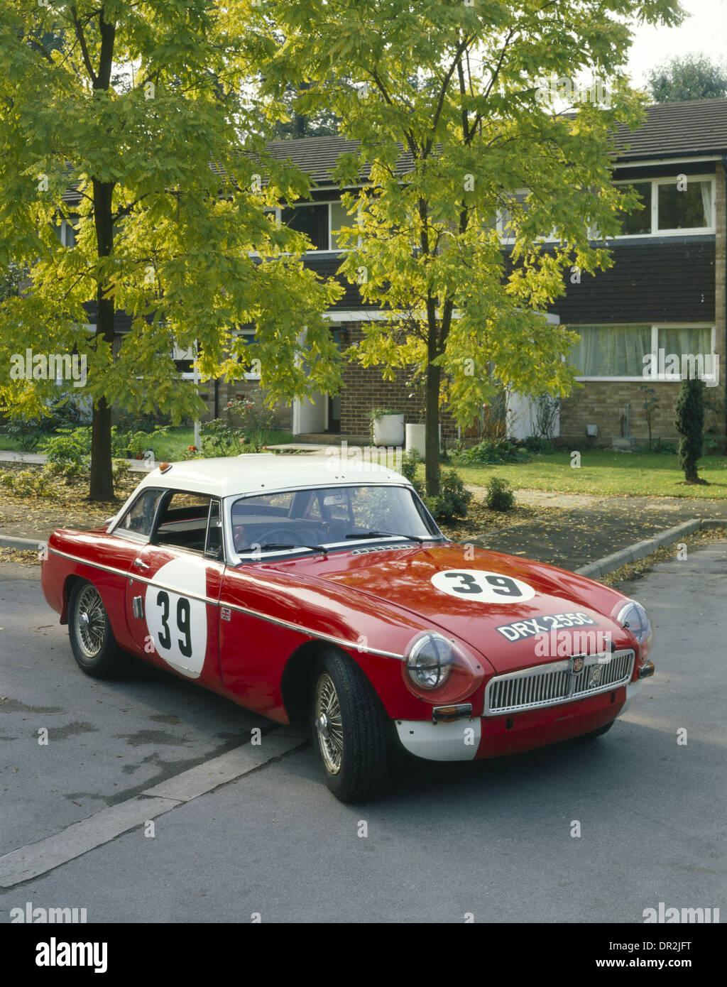 MG MGB - 1965 EX PADDY HOPKIRK LE MANS RACING CAR - classic race car ...