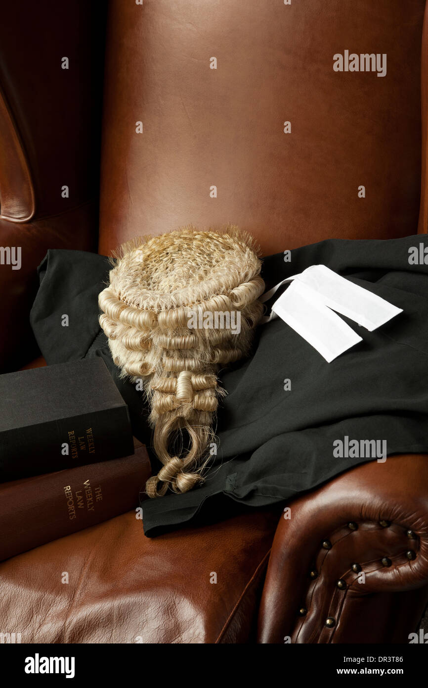 Wig And Gown Stock Photos & Wig And Gown Stock Images - Alamy