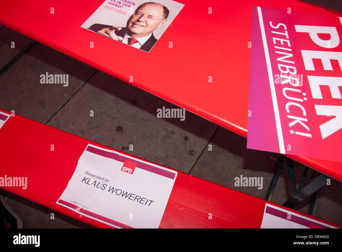 Pre-election party of SPD at Alexanderplatz in Berlin. - Stock Image