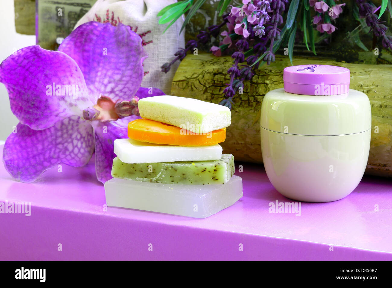 Still life in radiant orchid - Stock Image