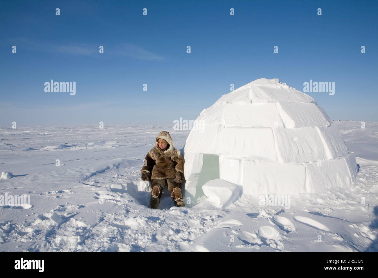 Inuit Igloo Home Stock Photos & Inuit Igloo Home Stock