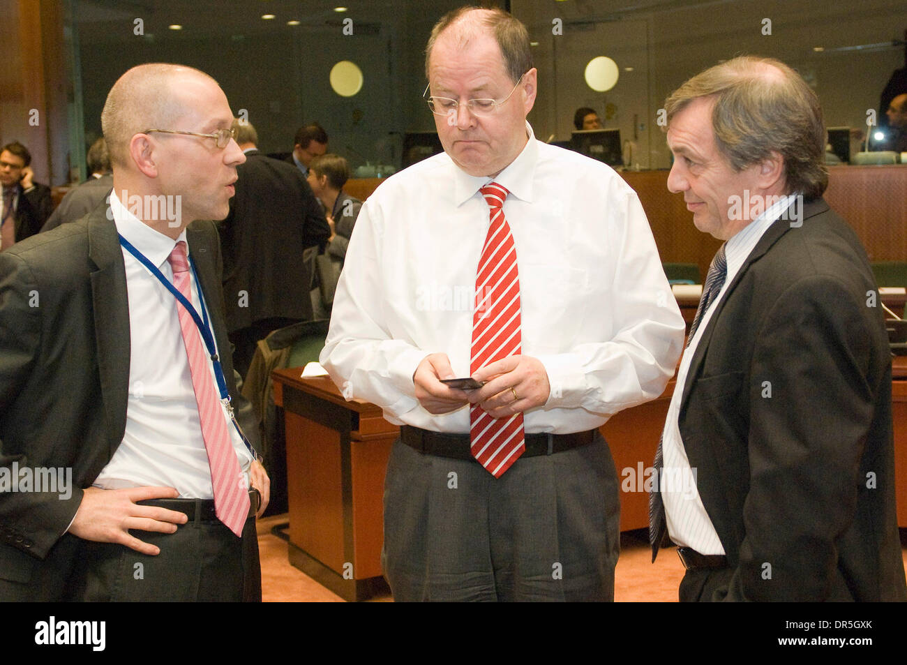 Dec 02, 2008 - Brussels, Belgium - German Finance Minister PEER STEINBRUECK (C)  and Luxembourg's Economy and Foreign Trade Minister JEANNOT KRECKE (R) at the start of the Ecofin, Finance ministers meeting at the EU headquarters in Brussels. (Credit Image: © Wiktor Dabkowski/ZUMA Press) - Stock Image