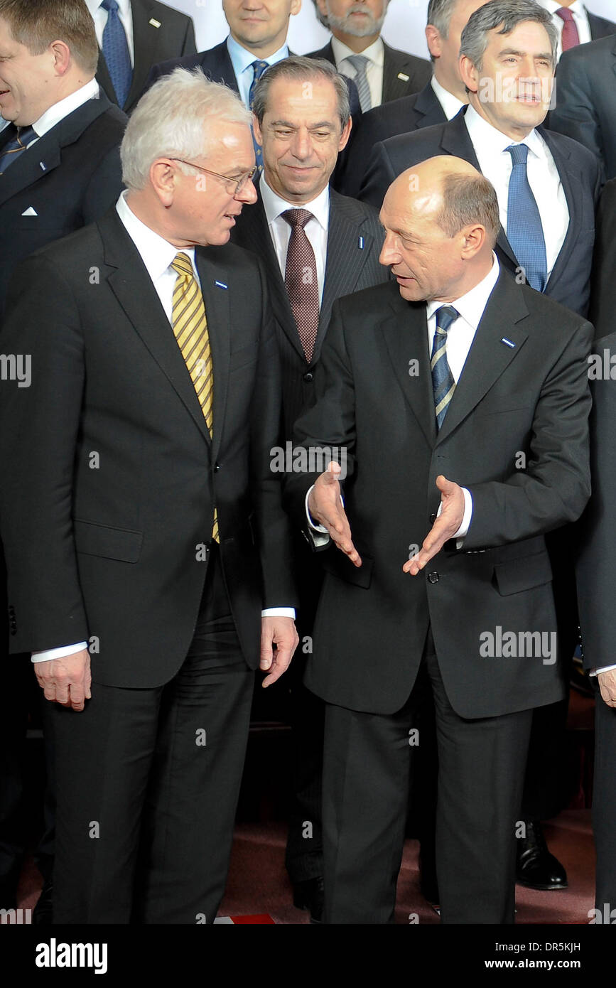 Mar 19, 2009 - Brussels, Belgium - European Parliament president HANS GERTH POTTERING and Romanian President TRAIAN BASESCU during the group photo time on the first day of the European Heads of State Summit. (Credit Image: © Wiktor Dabkowski/ZUMA Press) - Stock Image