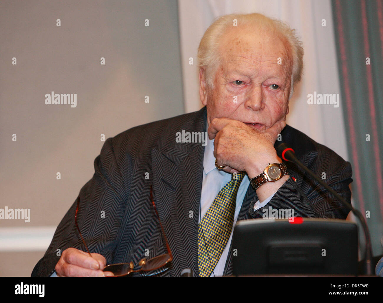 Apr 15, 2009 - Moscow, Russia - Prominent novelist and member of the French Academy MAURICE DRUON (Apr 23, 1918 - Apr 14, 2009) died in Paris on Tuesday at the age of 90. The former French cavalry officer wrote the lyrics for the famous war song 'Chant des Partisans.' PICTURED - Mar 28, 2007 - Russia - Maurice Druon in Moscow. (Credit Image: © PhotoXpress/ZUMA Press) RESTRICTIONS:  - Stock Image