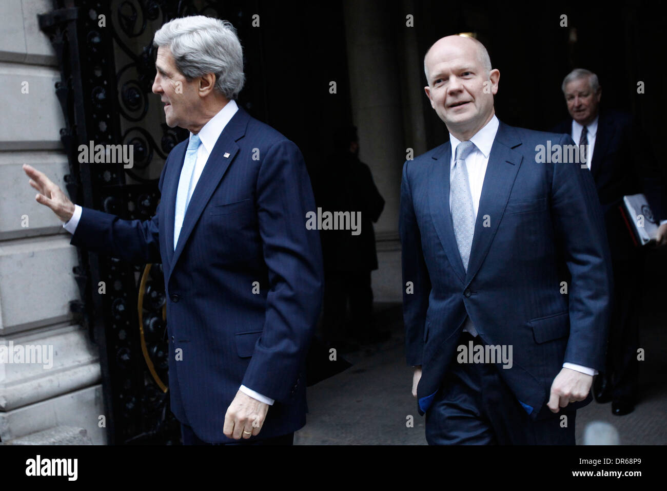 US Secretary of State John Kerry (L) and his British counterpart William Hague (R) outside number 10 Downing Street - Stock Image