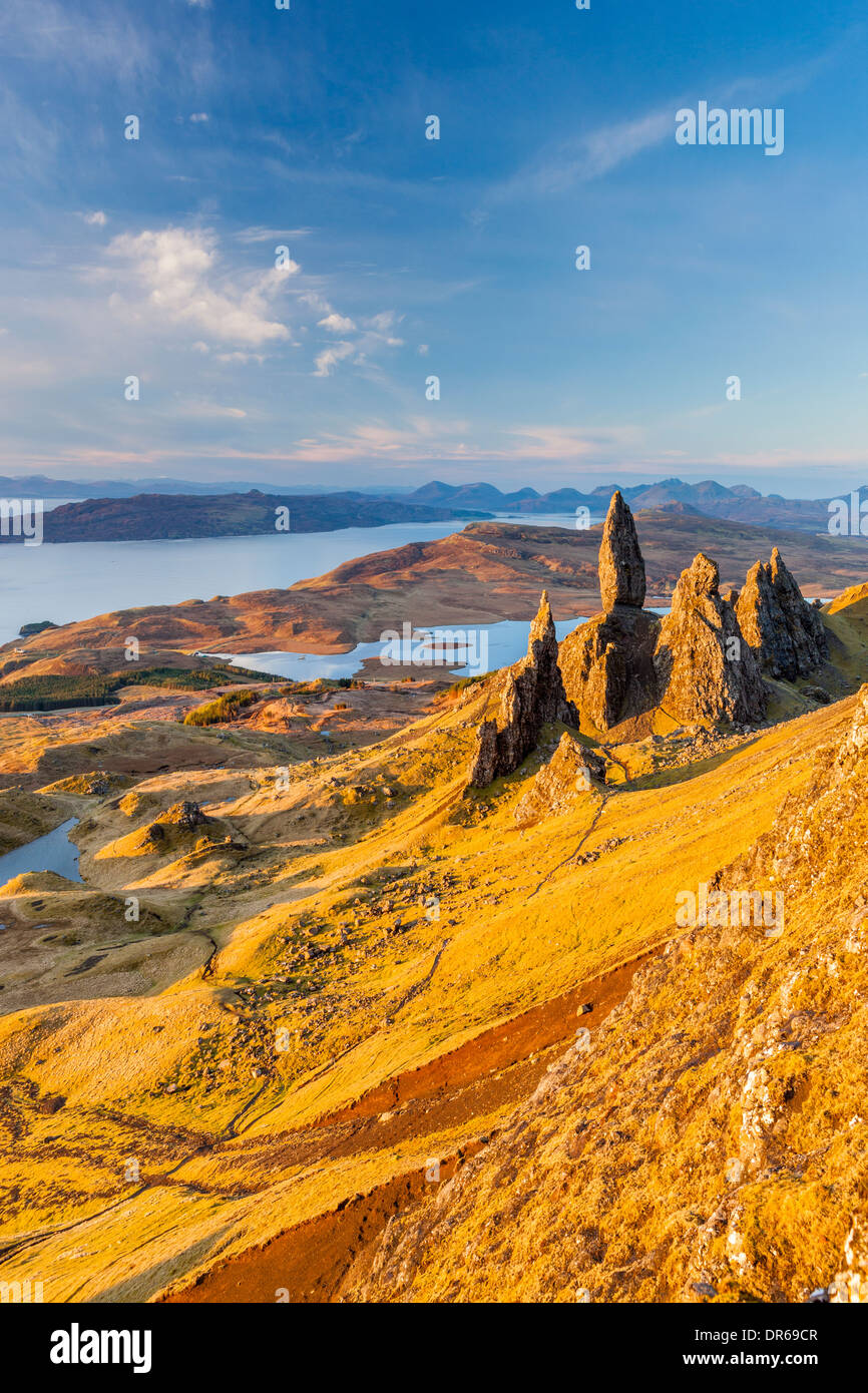 The Old Man of Storr, overlooking Loch Leathan and Sound of Raasay, Isle of Skye, Inner Hebrides, Scotland, UK, Europe. - Stock Image