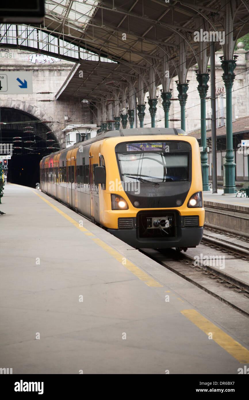 Oporto Porto railway rail voyager platform station train city urban street Europe tourismarchitecture Portugal houses travel mou - Stock Image