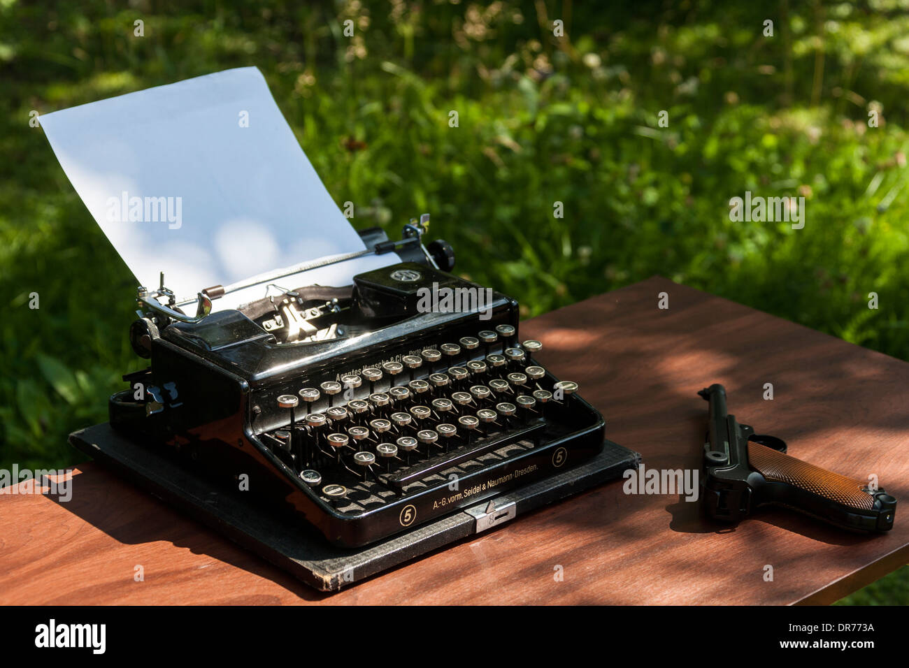 Schreibmaschine von 1932  Typewriter 1932 Stock Photo