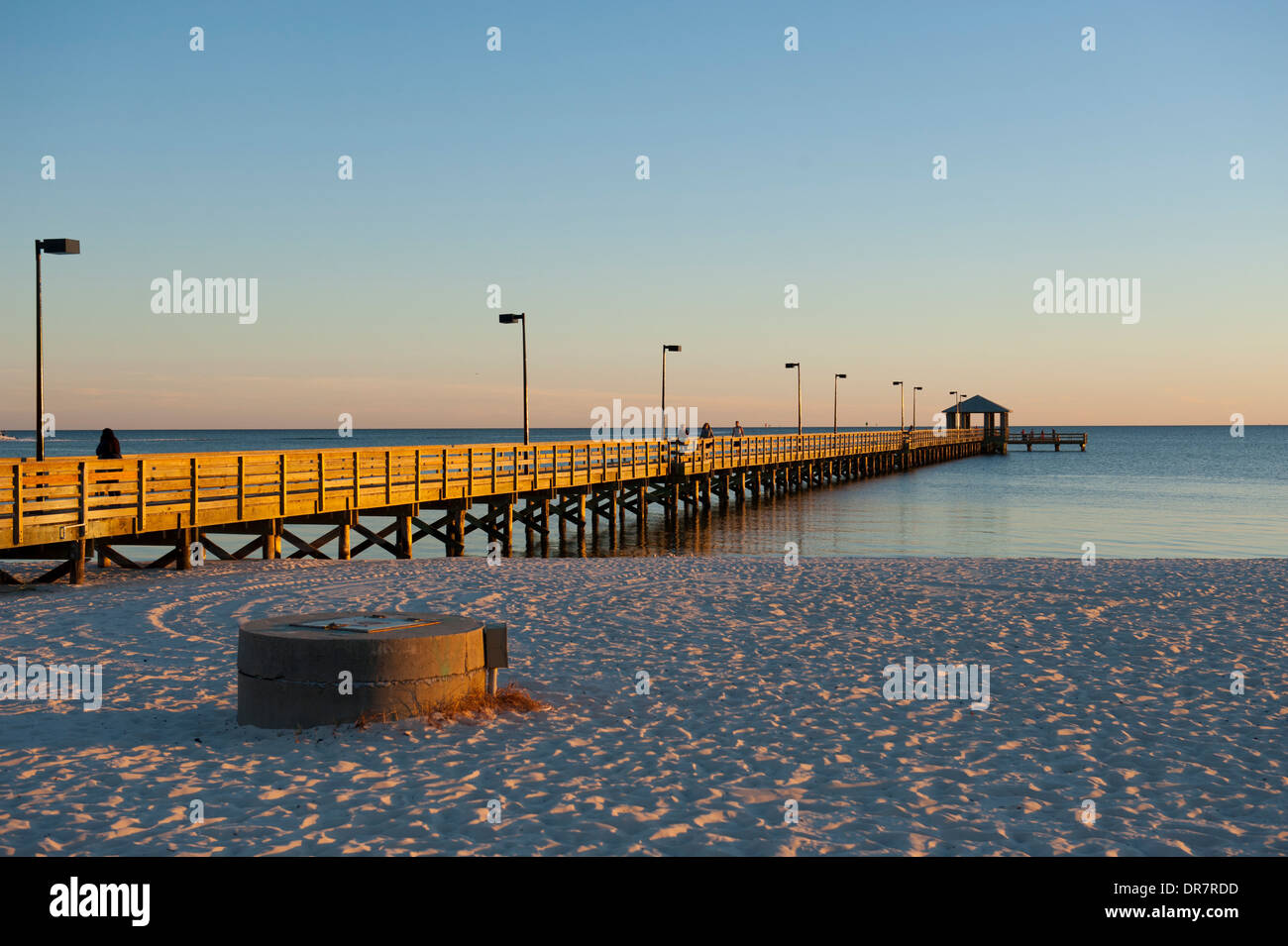 Usa Mississippi Ms Biloxi Fishing Pier On The Gulf Of Mexico Beach