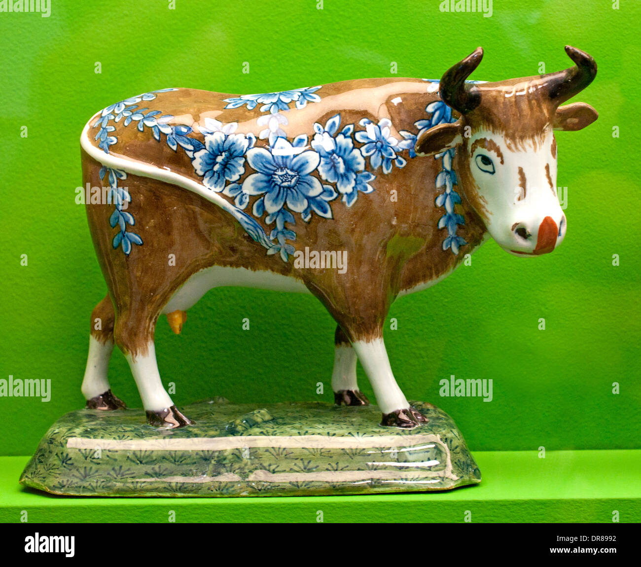 Hand Painted Holland Style Ceramic Cows