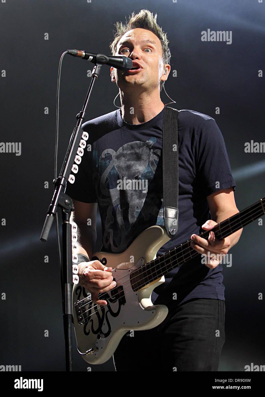 Mark Hoppustom Delonge And Travis Barker Of Blink 182 Perform At