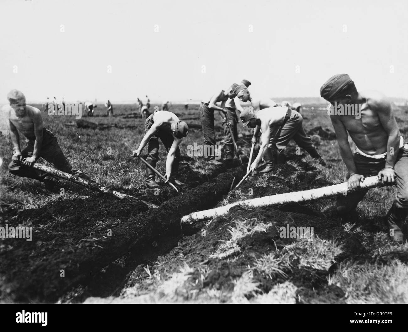 Land workers, Germany 1930s - Stock Image