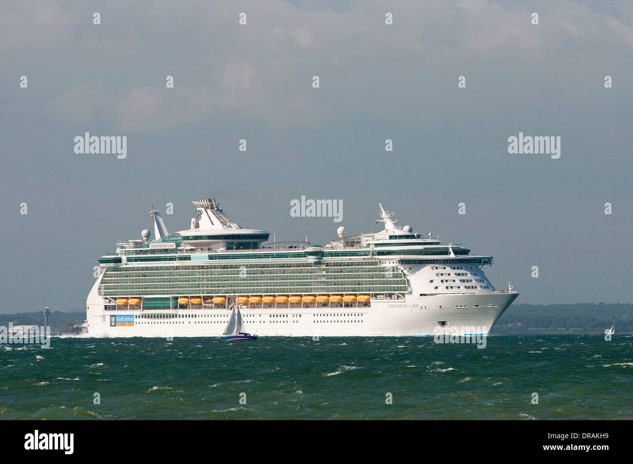 Royal Caribbean 'Independence of the seas' cruise ship leaving Southampton, England. - Stock Image
