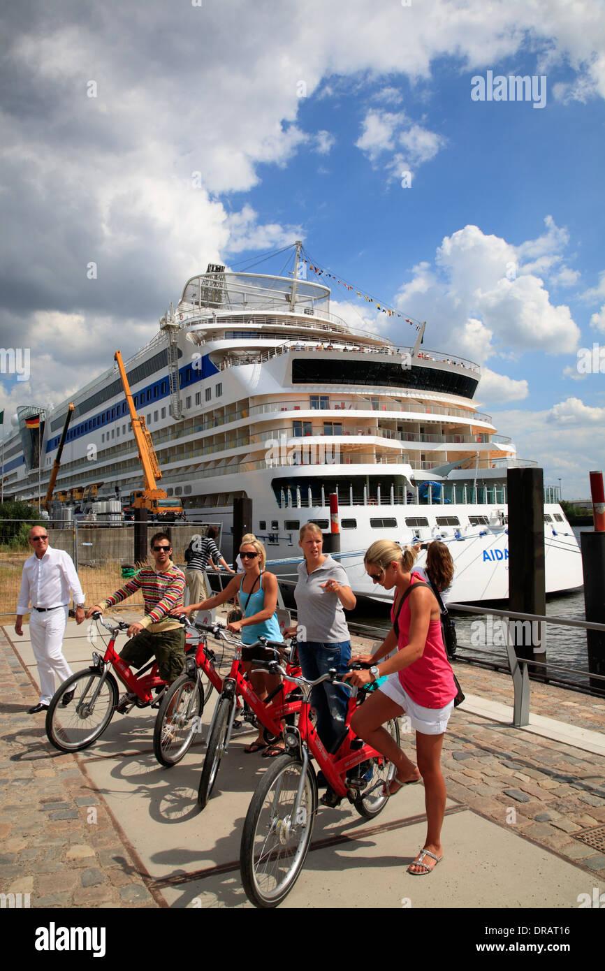 Rented bikes at Hamburg cruise ship terminal, Hafencity, Hamburg, Germany, Europe - Stock Image