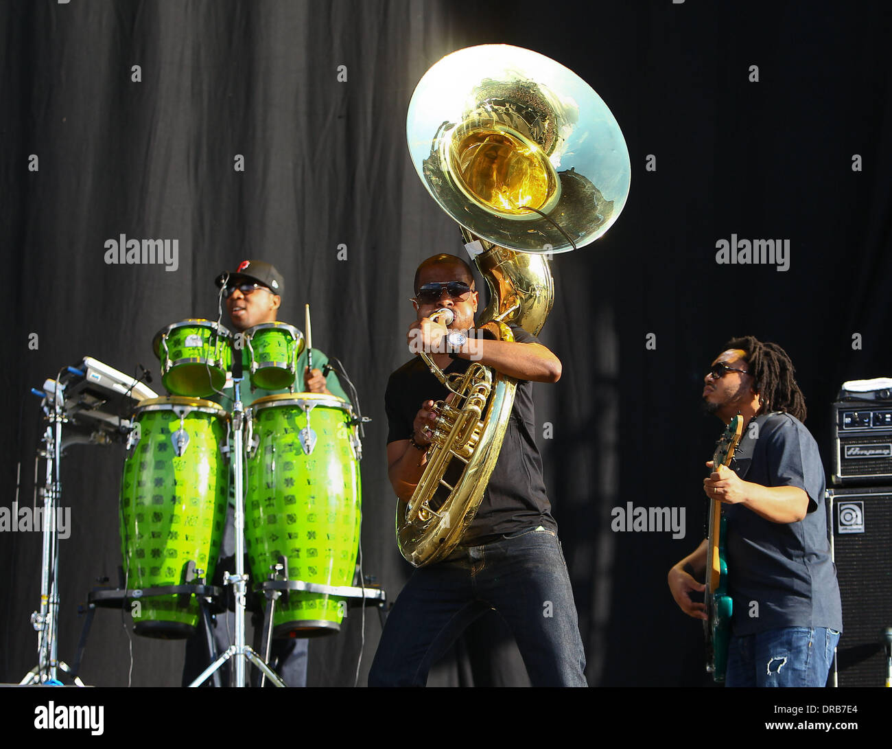 """F. Knuckles and Damon """"Tuba Gooding Jr."""" Bryson of The Roots Barclaycard Wireless Festival 2012 - Day 1 London, Stock Photo"""