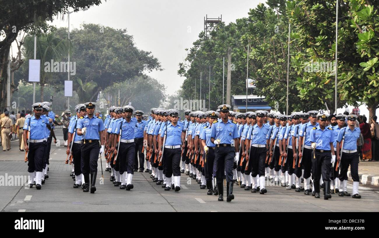 Mumbai, India. 23rd Jan, 2014. Indian soldiers rehearse for the Republic Day 2014 celebrations in Mumbai, India, Stock Photo