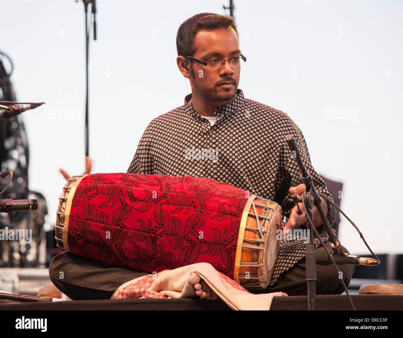 A band member playing for Anoushka Shankar performing at Jazz A Juan Festival  Nice, France - 15.07.12 - Stock Image