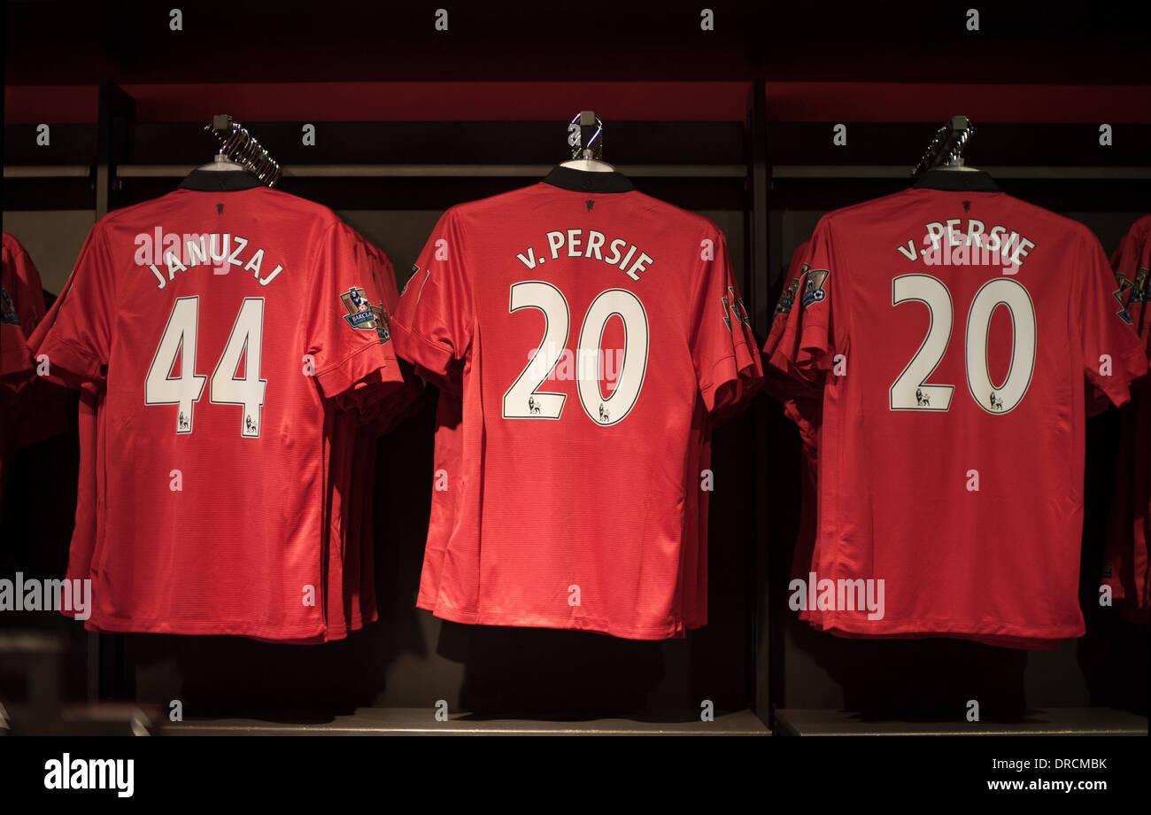 Manchester United Megastore Stock Photo  66047623 - Alamy 0409c705d587