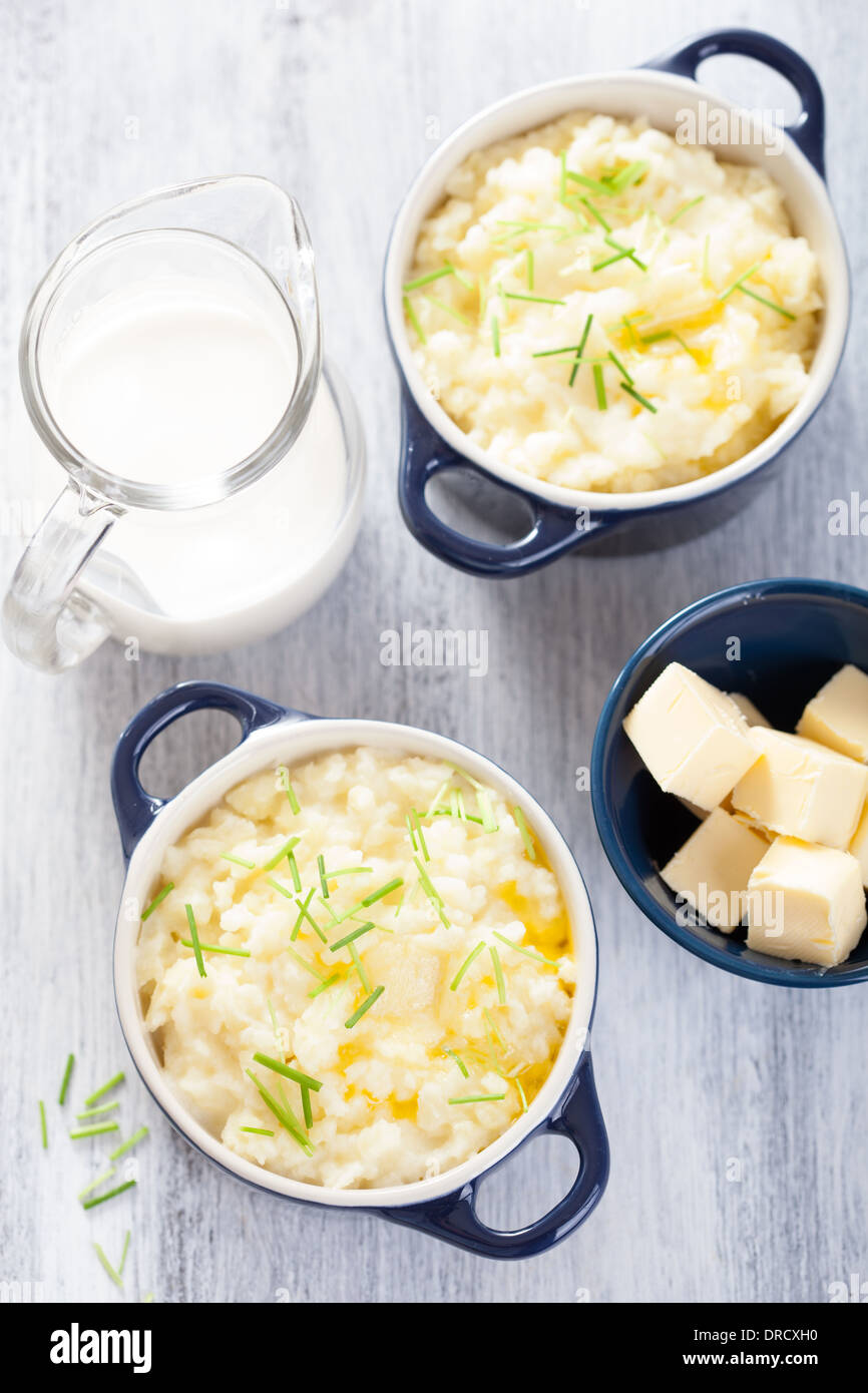 mashed potatoes in small pots - Stock Image