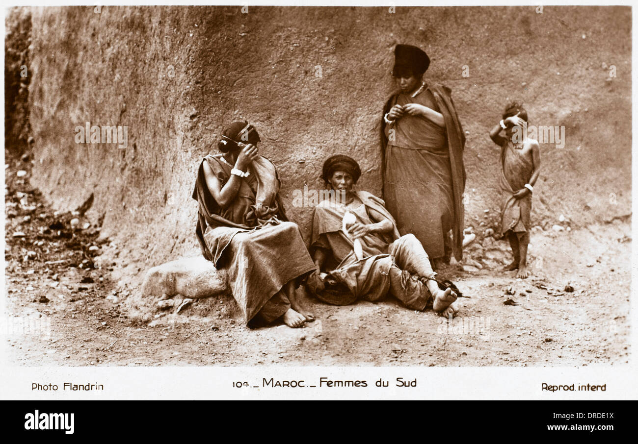 Poor Women from Southern Morocco - Stock Image