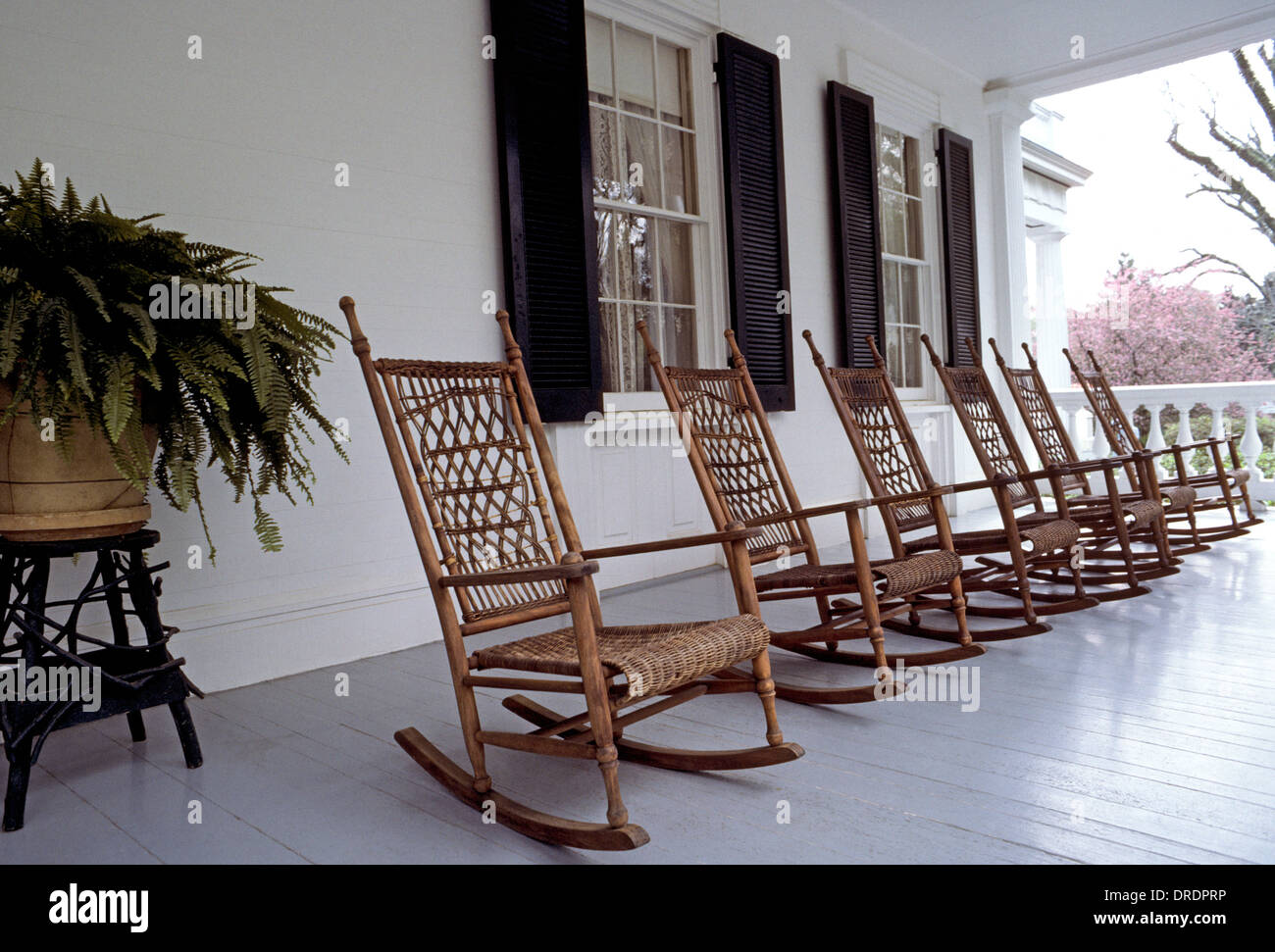 Charmant Rocking Chairs Made Of Wood And Wicker Await Visitors On The Front Porch Of  The Classic 1830s Rosedown Plantation In St. Francisville, Louisiana, USA.