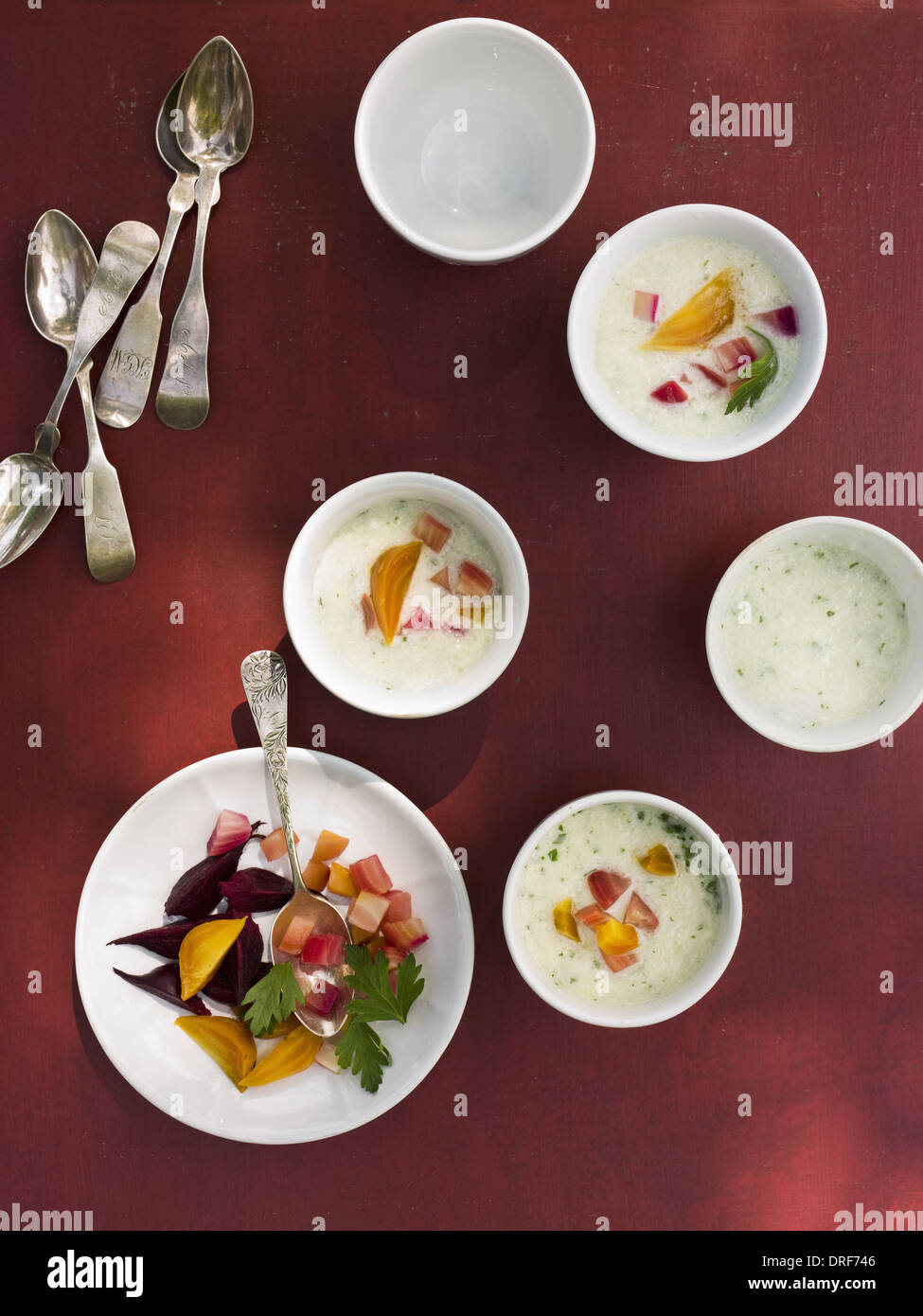 Maryland USA table laid small round white china bowl Fresh food - Stock Image