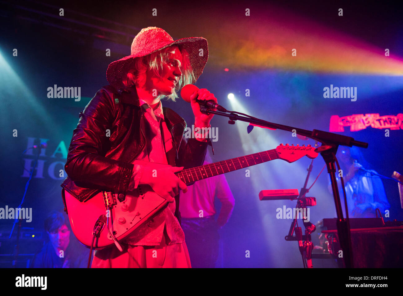 Birmingham, UK. 23rd January 2014. New Zealand indie rock star Connan Mockasin and his band perform a sold out gig at The Hare & Hounds, King's Heath, Birmingham Credit:  John Bentley/Alamy Live News - Stock Image