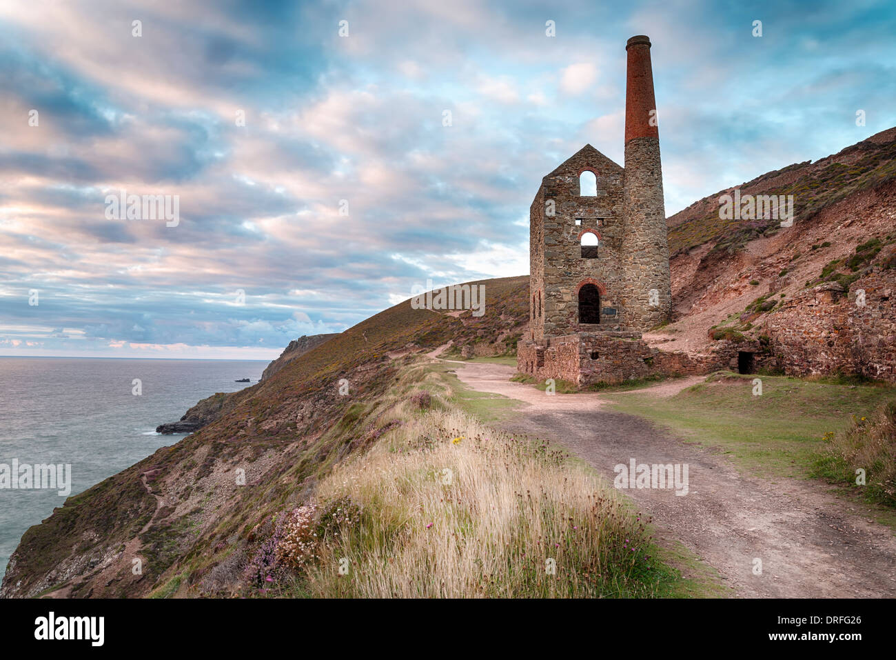 Ruined tin mine at Wheal Coates on the coast at St Agnes on the north Cornwall coast - Stock Image