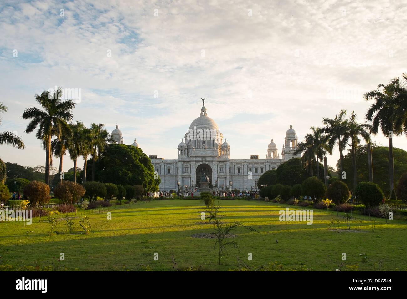 India, West Bengal, Kolkata, (Calcutta) Victoria Memorial in late evening sun Stock Photo