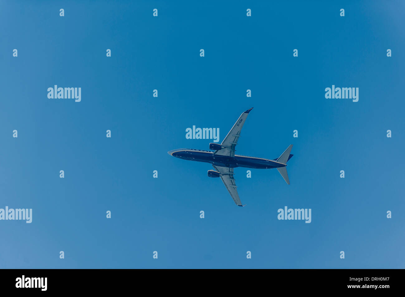 Flugzeug am Himmel - airoplane in the sky - Stock Image