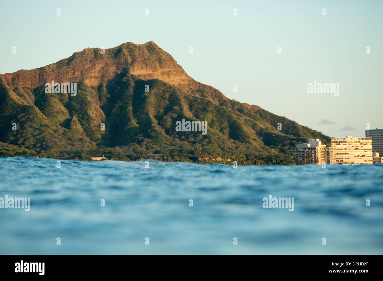 Hawaii [Diamond Head] Waikiki Beach green foliage ocean winter Honolulu Oahu [Kapiolani Park] Natatorium - Stock Image