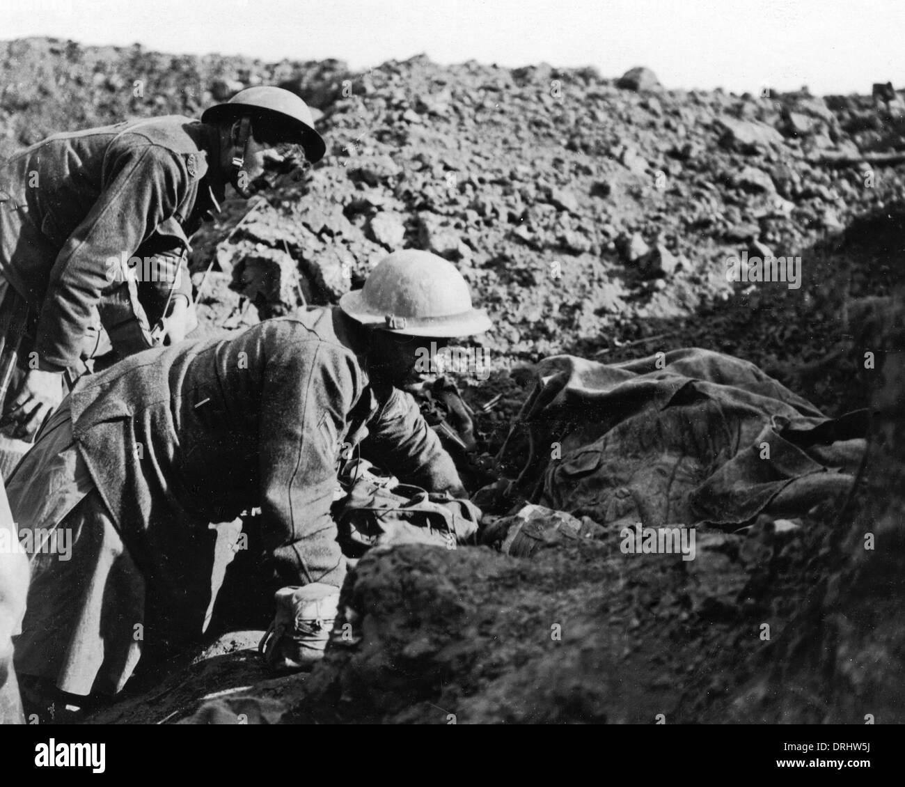 British soldiers in a trench, Western Front, WW1 - Stock Image